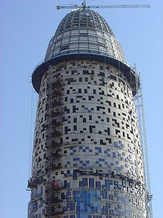 Torre Glòries - Image: Torre agbar barcelona construction 1