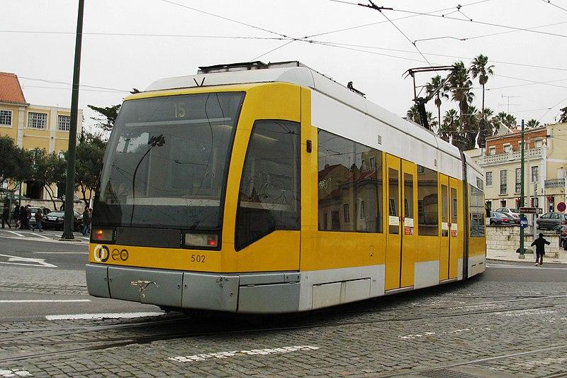 Ficheiro:Tram Lissabon nei.jpg