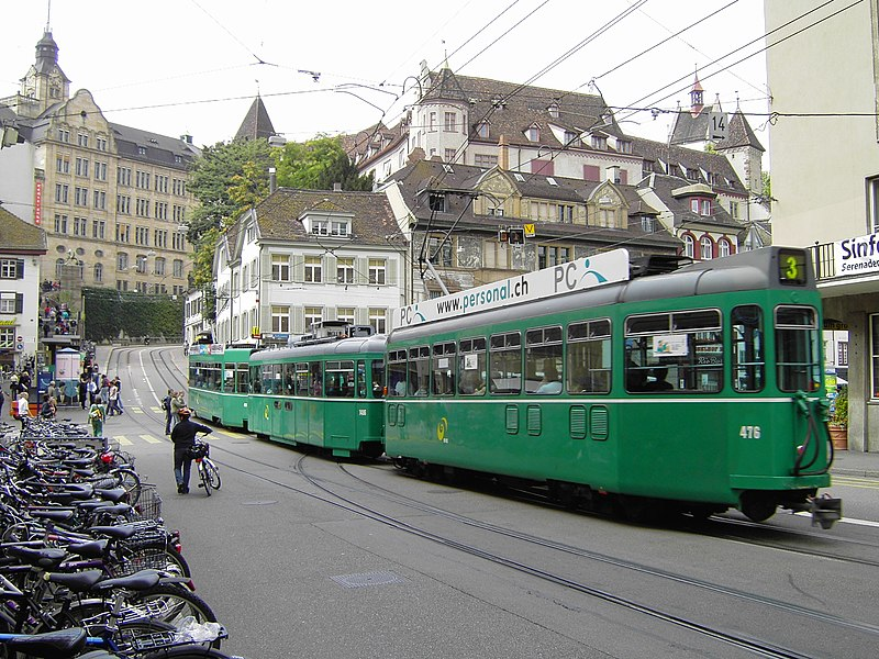File:Tram in Basel BVB 1.jpg