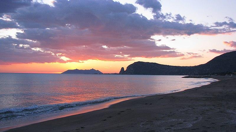 File tramonto alla spiaggia della esso - Alla colorazione della spiaggia ...