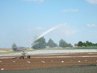 A traveling sprinkler at Millets Farm Centre, Oxfordshire, United Kingdom TravellingSprinkler.JPG