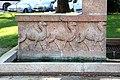 Trento, Monumento a Luigi Negrelli, autore del progetto esecutivo del canale di suez, 02 cammelli.jpg