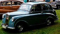 Triumph Mayflower Saloon 1953.jpg