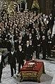 Troonswisseling 30 april inhuldiging in Nieuwe Kerk , tijdens eedsaflegging b, Bestanddeelnr 253-8272.jpg
