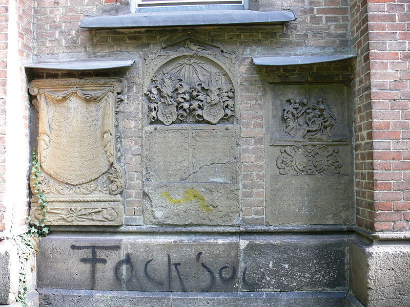 File:Ulm Apostolische Gemeinschaft Epitaphe 2.jpg