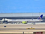 United Airlines Boeing 757-33N N77865 (cn 32589-1003) (5916090357).jpg