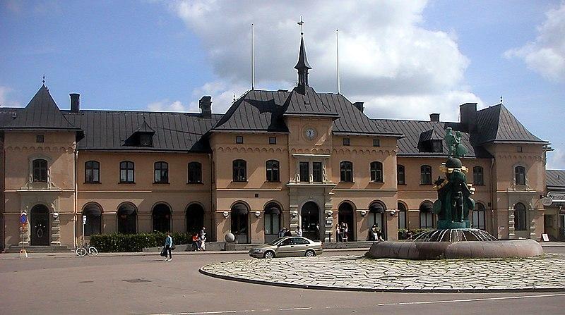 File:Uppsala centralstation.jpg