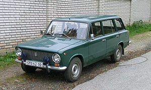VAZ-2102-zeleny a.jpg