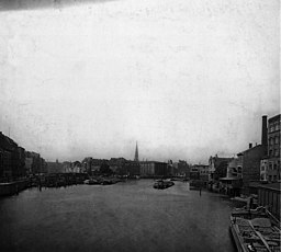 Spree, Unbekannt [Public domain], via Wikimedia Commons
