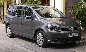Volkswagen Touran - Image: Volkswagen Touran (24403097745)