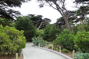 Walkway - San Francisco Zoo - San Francisco, CA - DSC03861.jpg
