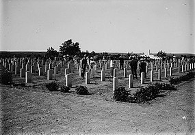 War cemetery at Deir el-Belah 1918.jpg