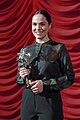 Wien-Premiere Die beste aller Welten 31 Verena Altenberger Silberner St Georg.jpg