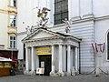 Wien Michaelerkirche Portal.jpg
