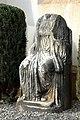 Wieting Pfarrkirche Sitzstein 18112006 01.jpg