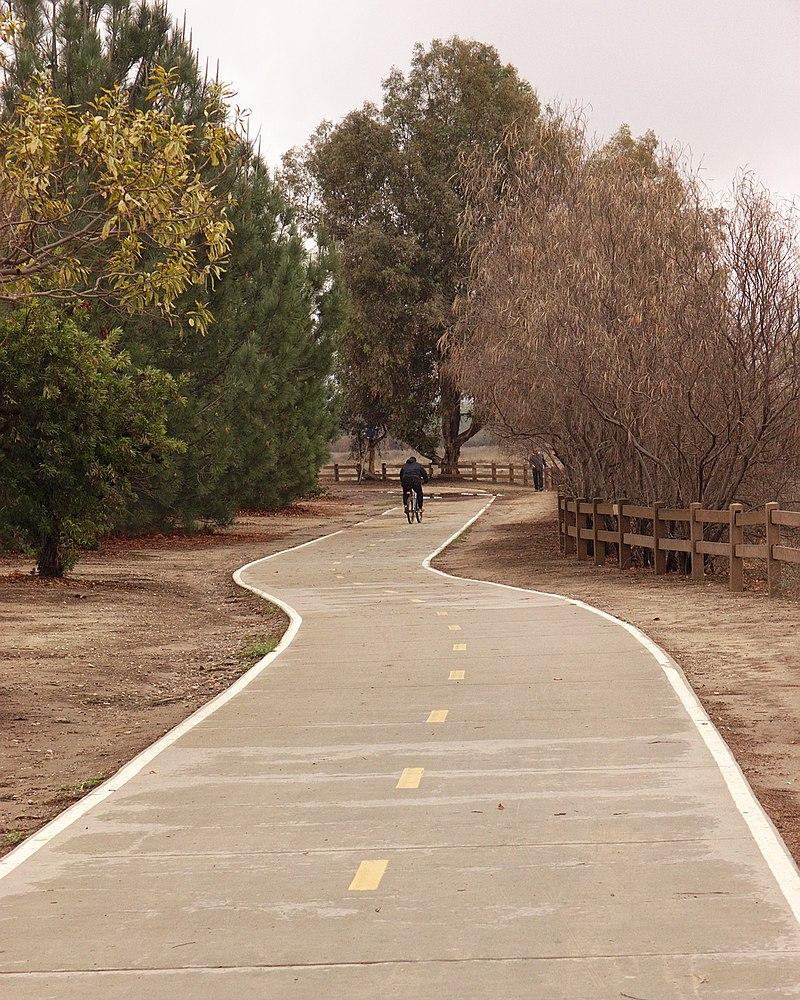 Woodley Ave bike path.jpg