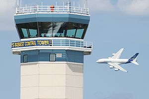 Wittman Regional Airport - Image: Worlds busiest control tower
