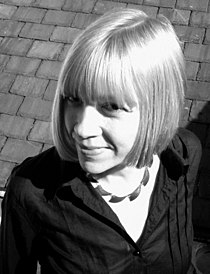 Zoë Skoulding (bw portrait).jpg