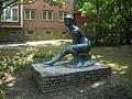 Ülő nő (Abonyi Grantner Jenő, 1959), Szent Borbála út, Tatabánya03.jpg