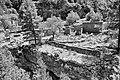 Εγκαταλελειμένος οικισμός στο φαράγγι της Σαμαριάς.jpg