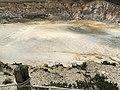 Ο κρατίρας του ηφαιστείου της Νισύρου απο ψηλά.jpg