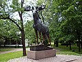 Выборг, статуя лося в городском парке - panoramio.jpg