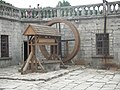 Колодязь у дворі Підгорецького замку.JPG
