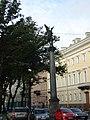Колонны со статуями Славы, Санкт-Петербург.jpg