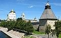 Псков Кремль Вид с реки сбоку Власьевская башня.jpg