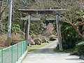八坂神社の鳥居 五條市西吉野町立川渡 2012.4.02 - panoramio.jpg