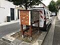 帕米耶街头的图书交换箱.jpg