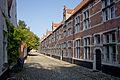 10115 Tien traditionele huizen Grachtkant 4-12, 5-13.jpg