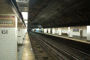 181st Street (IRT Broadway–Seventh Avenue Line) - Image: 181 Street 1 train 2 vc