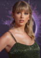 191125 Taylor Swift at the 2019 American Music Awards 1.png