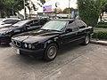 1994-1995 BMW 525i (E34) Sedan (01-11-2017) 01.jpg