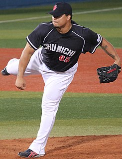 20130803 Warner Antonio Madrigal, pitcher of the Chunichi Dragons, at Yokohama Stadium.JPG