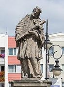 2019 Figura św. Jana Nepomucena w Dzierżoniowie 3.jpg