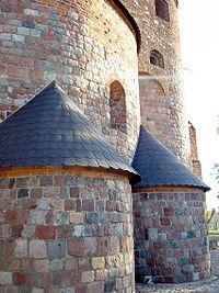 602353 kościół p.w. św. Prokopa Strzelno lewa strona