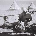 A YEMENITE WOMAN AND HER CHILD AT THE EZRA UBITZARON QUARTER IN RISHON LEZION. עולים מתימן גרים באוהלים בשכונה חדשה בראשון לציון.D842-004.jpg