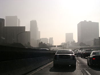 English: Smog and air pollution in Pasadena Hi...