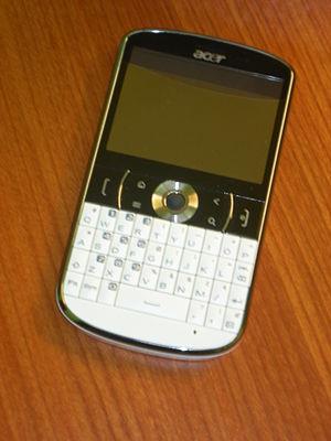 Acer beTouch E130 - Image: Acer e 130 White