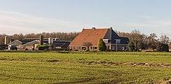 Agrarisch bedrijf in Woudfennen bij Joure 01.jpg
