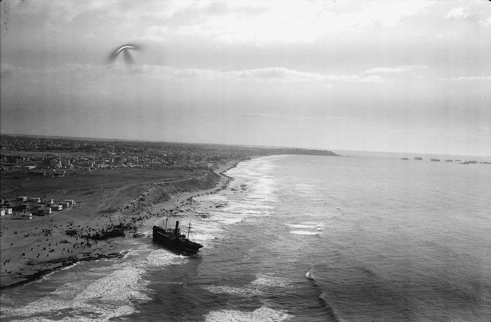 Air views of Palestine. Jaffa, Auji River and Levant Fair. Effective marine scene. Looking south along the coast LOC matpc.22194