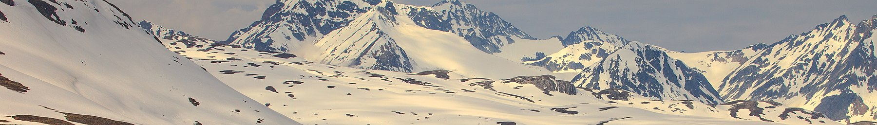 Alaska banner Mountain panorama 2.jpg