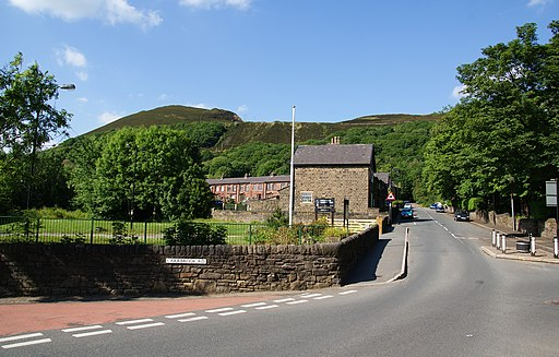 An entrance to Stalybridge Country Park - geograph.org.uk - 1915936
