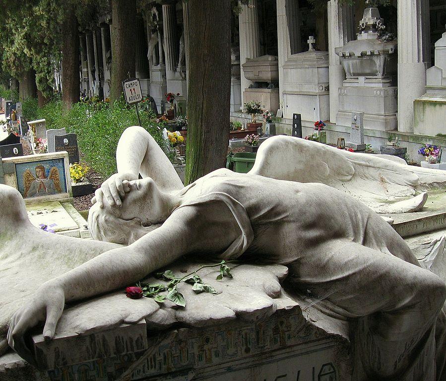 Statue d'ange dans le Cimitero Monumentale di Staglieno à Genes. Photo de Jeff Kerwin