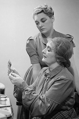 Ann Casson - Casson with mother preparing for a theatrical performance in Australia in 1941