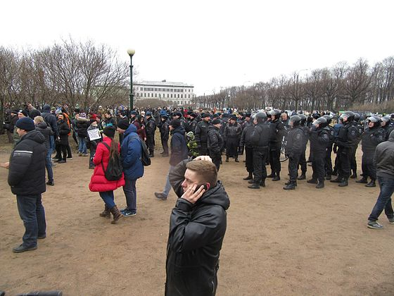 Anti-Corruption Rally in Saint Petersburg (2017-03-26) 22.jpg