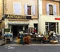 Antiquaire Place du Postel.jpg