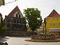 Arnstadt Neue Kirche Hopfenbrunnen.jpg